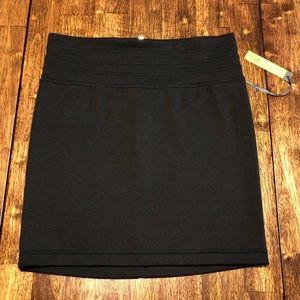 NWT!! Charlotte Russe Black Stretch Skirt sz M